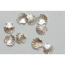 kovové mušličky stříbrné 10 ks