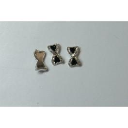 Kovové mašličky černé se stříbrnými kamínky 2 ks