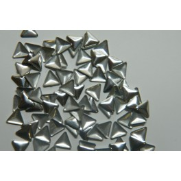 Kovové cvočky trojúhelníkové 3 mm