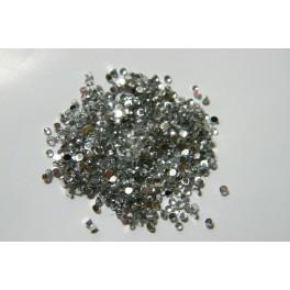 Broušený kamínek 2 mm stříbrný